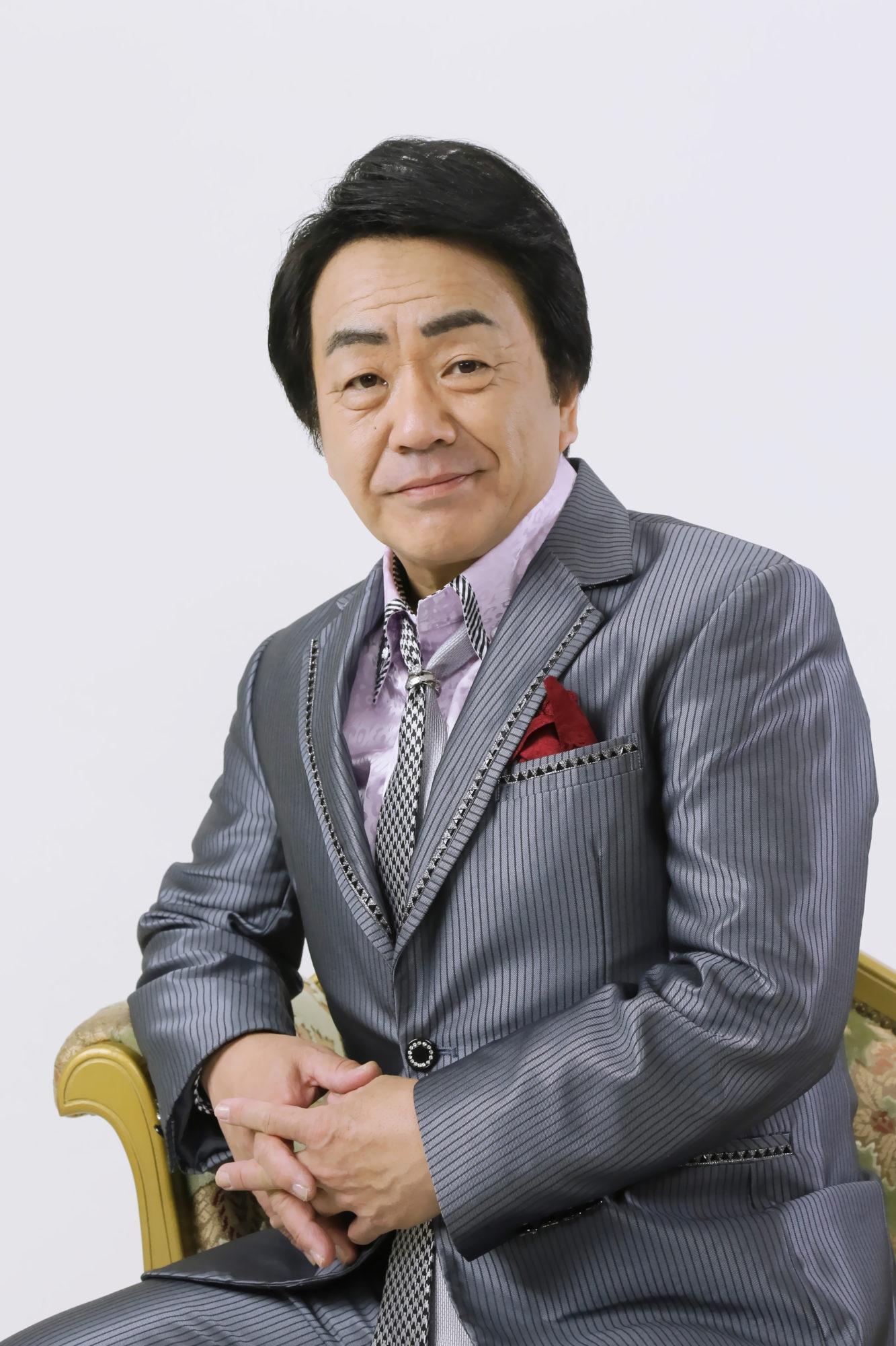 愛子 岩崎